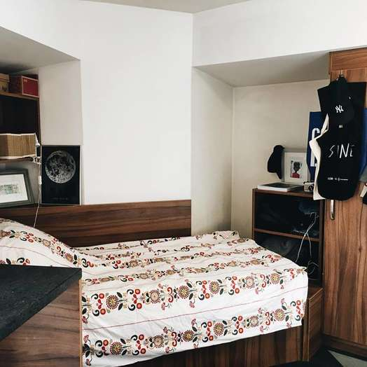1-room student hall in London