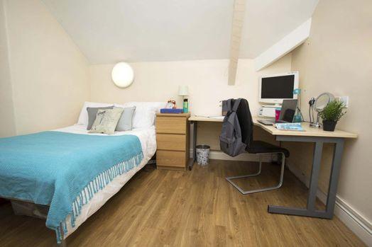 Classic 2 Bed Apartment