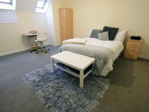 4 Bed Apartment