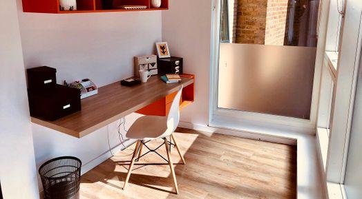 Photo of a viridian Studios.