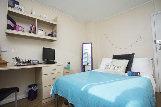 Classic 4 Bed Apartment